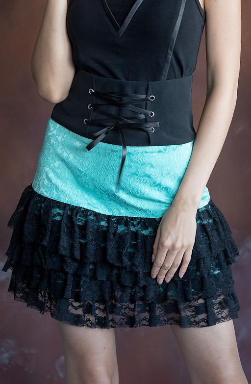 Къса пола от еластичен жакард в цвят мента