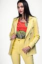 Дамско сако с двуредно закопчаване в жълт десен