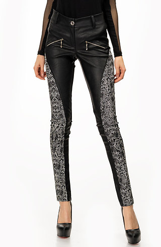 Панталон тип клин в черно-бял мотив