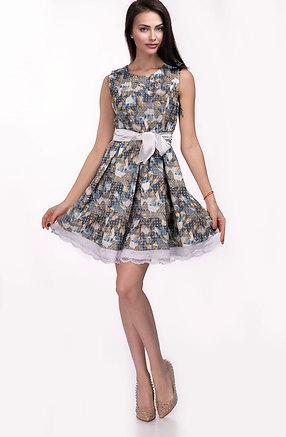 Разкроена рокля на канони с акцент от дантела