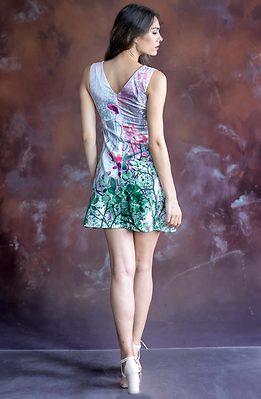 Къса рокля трапец без ръкав