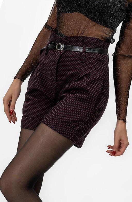 Къс панталон с висока талия и колан