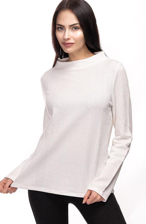 Блуза в бяло