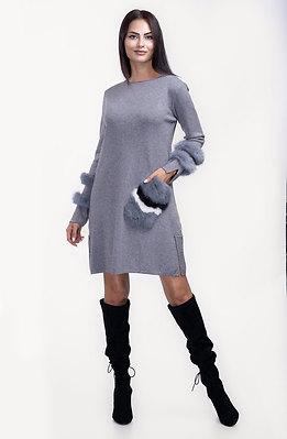 Рокля от финно плетиво с пух в сиво