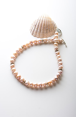 Колие от розови перли