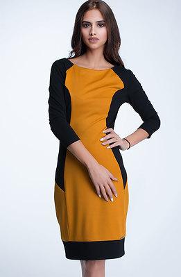 Стилна рокля с 7/8 ръкав в двуцветен мотив II