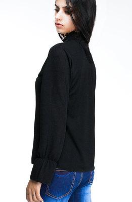Черна риза с брошка