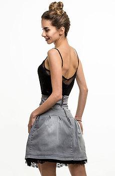 Дънкова пола с дантела