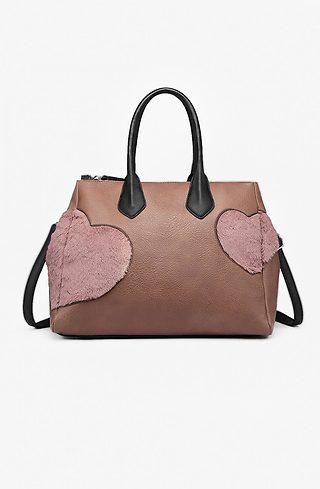 Дамска чанта с акцент от пухени сърца