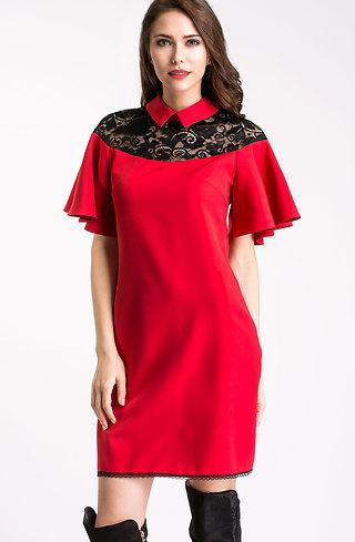 Разкроена рокля с якичка в червено
