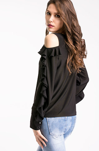 Блуза с голо рамо и ефектни ръкави в черно