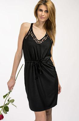 Къса черна рокля
