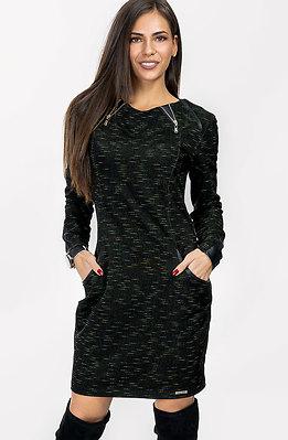 Спортно-елегантна рокля с кожен акцент