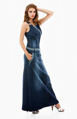 Дълга рокля тип бюстие от летен деним
