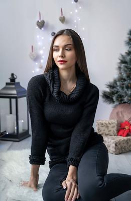 Блуза от плетиво с полу-поло яка в черно