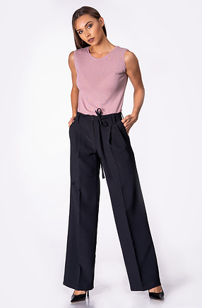 Класически панталон с разкроени крачоли и ръб